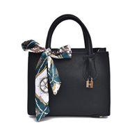 дизайнерские сумки замки оптовых-Vintage Leather Ladies HandBags Women Messenger Bags Totes Lock Designer Crossbody Shoulder Bag Scarf Hand Bags Hot Sale