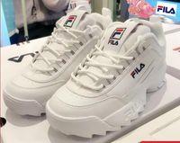 chaussure blanche plate de mariée achat en gros de-Designer Paris 17FW Triple s Fashion Sneakers hommes femmes noir blanc cuir pas cher Casual Flat Shoes Chaussures tennis bride à bride de luxe