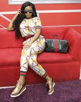 costume d'or féminin achat en gros de-Femmes d'été 2Pcs Ensembles Sexy Costumes Causal Imprimé Dame Imprimé Or Grain Crayon Pantalon Vêtements Costumes