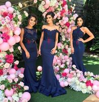 vestidos de fiesta de encaje azul oscuro al por mayor-2019 nuevo vestido de dama de honor largo y modesto con apliques de encaje azul marino Vestido de dama de honor largo Escote de tres estilos Vestidos de fiesta de noche atractivos por encargo