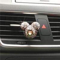 gel zur dekoration großhandel-Luxus Auto Logo Parfüm Diamant Klimaanlage Outlet Clip Dekoration Auto Lufterfrischer Auto Styling Lady Parfums 100 Original 001