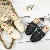 chaussures de glisse de la marque coréenne achat en gros de-2019 printemps nouveau design coréen mules chaussures célèbre marque design en métal décorer pantoufles Robe Casual Classics Diapositives dame slip sur