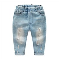 erkek mavi ripped jeans toptan satış-Yeni varış moda erkek Kot Delik Eski Yıkanmış Ripped açık mavi Bedge Patchwork Denim Jeans Pantolon çocuk 2-6Yrs Için