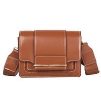 düğme kovası çantası toptan satış-Kadın Vahşi Messenger Çanta Düğme Çanta Tek Lüks Omuz Çantaları Kadın Çanta Tasarımcısı Kova Kapak PU Deri Çanta 10Dec31 # 216043