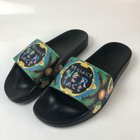 zapatos hombre hip hop al por mayor-Brand New Designer Flip Flops Zapatillas Zapatos Casual Hombre Diseñador Zapatillas Mujer Zapatillas Hip Hop Street Sandalias Tamaño 36-44