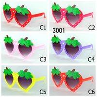 gafas de gafas de bebé al por mayor-Gafas de sol para niños de moda UV400 Gafas de sol para niños con forma de fresa Niñas UV400 Gafas de sol para bebés Gafas de gafas lindas Gafas de sol