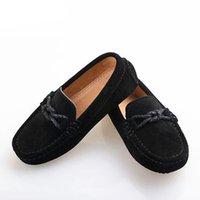 mocasín bebé niño zapato negro al por mayor-Nuevos Zapatos de cuero genuino Mocasines para niños Mocasines negros Pisos para niños pequeños Niños Niños Niños Vestir Zapatos casuales