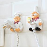 llaves decorativas ganchos al por mayor-Cartoon Chef Outlet Plug Holder Cord Rack de almacenamiento Estante de pared decorativo Key Holder Estantes Gancho de cocina