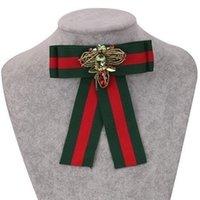 ingrosso cravatta clip per le donne-Nuova moda fiore di cristallo bowknot stoffa fiocco spille per le donne clip pin pins collare nuovo fascino trendy partito dichiarazione tie gioielli hot