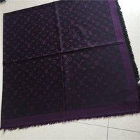 bufandas de hilo teñido al por mayor-Mayor el último triángulo de la mujer de la marca bufanda del estilo chal grande 140 * 140 cm de la bufanda de algodón de la tapa de lana clásico pañuelo de hilo teñido
