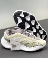 ingrosso scarpe di basket luminose-700 Shoes V3 luminoso Grigio Kanye West pallacanestro 3M Olimpiadi incandescenza nello scuro di modo del progettista Athoetic Sport Sneakers in corso