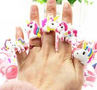 anillos de dedo del bebé al por mayor-Lindo Unicornio Anillo de Dibujos Animados Unicornio Fiesta de Cumpleaños Favores Suministros Niños Bebé Anillo de Dedo Juguetes Niños Regalo de Cumpleaños de Navidad 0601891