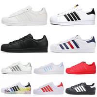 ботинок для обуви оптовых-adidas superstar 2020 Новые суперзвезды повседневная обувь Plate-Forme Мужчины Женщины Chaussures Тройной Белый Черный 80-х Pride Star Flats дизайнерские кроссовки 36-45