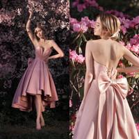 uzun geri kısa ön mezuniyet elbisesi toptan satış-Pembe Saten Yüksek Düşük Mezuniyet Elbiseleri 2020 Sevgiliye Kısa Ön Uzun Arka Diz Boyu Kokteyl Elbiseleri Mezuniyet Partisi Gowns