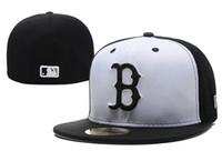 кожаные футбольные кепки оптовых-Хорошие Продажи Новый Бостон Красный В Полном Черном Цвете Установлены Плоские Шляпы sox Вышитые Закрытые Шапки Chapeu Хип Хоп Дизайн