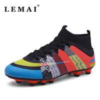 zapatos de fútbol para niños al aire libre al por mayor-Tamaño 31-43 Zapatos de fútbol para hombres Botas de fútbol de tobillo impermeables al aire libre Hombres Niños Zapatos de fútbol para niños