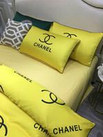 ingrosso biancheria da letto di colore giallo-Letter Deisgn Bedding Suit Fashion New Yellow Letter Biancheria da letto in cotone Set di biancheria da letto stile classico 2019