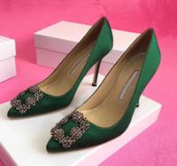 zapatos sandalias para novia al por mayor-2019 Diseñador de la marca Zapatos de boda del partido Novia Mujer Damas Sandalias Moda Sexy vestido zapatos punta estrecha tacones altos de cuero bombas de brillo