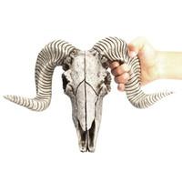 chifres de resina venda por atacado-Criativo Resina Cabeça de Ovelhas Cabeça Do Crânio Pendurado Na Parede 3D Animal Longhorn Escultura Estatuetas Artesanato Chifres Enfeites de Decoração Para Casa
