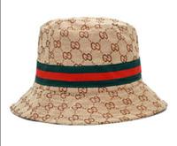 ingrosso donne di bowlers cappello-Brands Designer di lusso Lettera Bucket Hat Uomo Donna Pieghevole Caps Black Fisherman Beach Visiera da sole Vendita Berretto da baseball uomo pieghevole