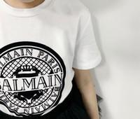 gestickte hemden für mädchen großhandel-Baumwolle der freien Verschiffen Mädchenjungen Kurzschluss-Hülsen-Shirtkinder stickte Spitzenkindt-shirt Kindkleidung-Mädchenhemden