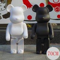 brinquedos de grande figura venda por atacado-Grande 1000% 70 CM Bearbrick moda Urso preto e urso branco figuras Brinquedo Para Colecionadores ser @ rbrick Art Work modelo decorações