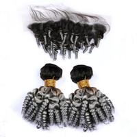 ingrosso chiusura capelli curly funmi-Malaysian Silver Grey Ombre Aunty Funmi Capelli umani Tesse e chiusura frontale 13x4 # 1B / Grigio Ombre rimbalzante ricci 2 Bundles con pizzo frontale