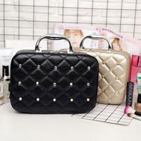 kozmetik kutusu büyük toptan satış-2019 yeni tasarımcı kozmetik çantası büyük kapasiteli kadınlar makyaj saklama kutusu seyahat taşınabilir kozmetik durumda PU deri elmas bayan çanta