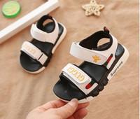trotteurs en plastique pour filles achat en gros de-Été New sandales enfant garçon étudiant chaussures de plage suprenne fond mou sandales antidérapantes