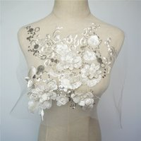 beyaz elbise için dantel süsleme toptan satış-Beyaz Kumaş 3D Çiçekler Boncuk Sequins Aplikler Nakış Dantel Trimler Mesh Düğün Akşam Elbise Dekorasyon DIY Için Yama Dikmek