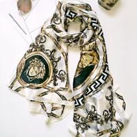 satin printed shawl оптовых-Мода женщина шелк печати шарф Леди очаровательный шейный платок атласная Шаль мягкие путешествия пляж солнцезащитный крем шелковые шарфы TTA713
