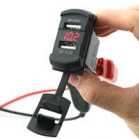 iphone araba fişi toptan satış-IZTOSS Araba Çift USB Şarj Soket Fiş Rocker Tarzı Voltmetre ile Mavi LED Işık DC12-24V 4.2A