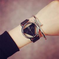antik kadın saatleri toptan satış-2016 Kadın Elbiseleri İçi Boş Saatler Klasik Deri Moda Kuvars Retro Antika Kol Saatleri Kadın Saat Montre Femme Reloj Mujer