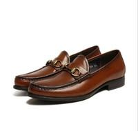 zapatos de vestir oxford para mujer al por mayor-Zapatos de ocio de moda en marrón oscuro y negro Deslizamiento de cuero genuino en un traje formal para mujer Zapatos de vestir Horsebit Oxfords