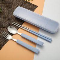 ingrosso acciaio inossidabile portatili-3PCS / SET Set posate portatile 4 colori cucchiaio bacchetta forchetta set di stoviglie in acciaio inox e paglia di grano materiale posate set da tavola