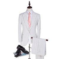 novio de esmoquin blanco boda al por mayor-Cuerda Raya Novio Esmoquin Blanco hombre Blazers para traje de padrino Traje de boda Traje de hombre a rayas (chaqueta + pantalones + chaleco)