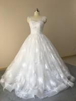 melhor vestido de renda de volta casamento venda por atacado-Best Selling Real Amostra Jewel Neck Shiny Lace Ball Gown Vestidos De Noiva Princesa Vestidos De Noiva Com Sexy Buraco de Volta