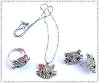 kit de joyas gatito al por mayor-¡¡¡Envío gratis!!! Nuevo juego de monos lindo hello kitty girl love fashion Collares Aretes Joyas Conjuntos Caja gratis # 311