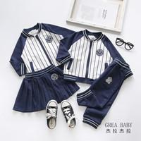 calça formal listrada venda por atacado-crianças de varejo de luxo designer de roupas meninos meninas fatos de treino de beisebol listrada formal 2pcs ternos set (jaqueta + calça saia) roupas de bebê treino