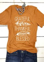 gelbe grafische t-shirts großhandel-Dankbares dankbares gesegnetes Hemd Erntedankgeschenk übersteigt Slogant-shirt Grafik-T-Stücke gelbes Vintages Federmustert-shirt