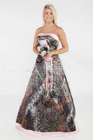 rosa camo schnüren sich oben brautkleider großhandel-New Glamorous Camo A line Brautkleider plus size formale rosa Satin Gericht Zug Brautkleider trägerlos sexy Lace-up zurück Brautkleider