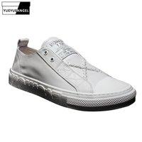 calzado casual de verano para hombre al por mayor-Para hombre Slip On Casual de alta calidad zapatos de cuero Real Pisos zapatillas de deporte Diseñador de la marca Mocasines Verano Calzado Zapatos de cuero genuino
