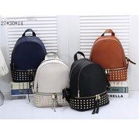 mochila blanca marrón al por mayor-Mochila de diseño para mujeres Bolsos de escuela de cuero de gran capacidad con negro, blanco, azul, azul, 4 colores, bolsa de hombro de alta calidad