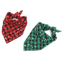 ingrosso colletto di bowtie-Natale Snowflake Dog Bandane Regolabile Pet Dog Cat Neck Sciarpa Cravatta Bowtie Cravatta Bandana Collar Fazzoletto Accessori Per Cani Grooming
