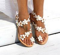 ingrosso scarpe fiore piatto bianco-Sud-est asiatico stile etnico sandali semplicità fiore bianco moda scarpe signore perle artificiali fondo piatto grande codice vendita calda 31qyI1