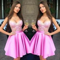 mini túnicas de encaje sexy al por mayor-Hot Pink Sweetheart Neck Mini Short Homecoming Vestidos Lace Zipper Back Sweet 16 Graduation Dresses Vestidos de fiesta robe de retour