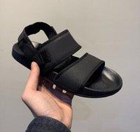 yeni moda sandaletler toptan satış-2019 yeni kadın erkek Leadcat YLM Lite Açık spor Sandalet, moda rahat yumuşak rahat ayak sandalet, en iyi bayanlar mens online alışveriş
