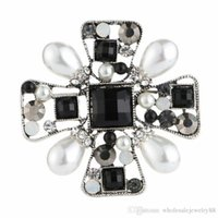 épingles à corsage en perle blanche achat en gros de-Wholesale Retro Crystal Pearl Cross Brooch Corsage Black White Pearl Scarf Clips Brooch Pins Women Wedding Party Jewelry