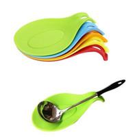ingrosso scaffali per utensili-Silicone Resistente Al Calore Spoon Rest Utensile Spatola Holder Gadget Food Grade Cucina Rack di Stoccaggio Strumento 19.5 * 9.5 cm 5 colori