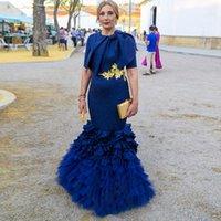 marineblau mütter kleid großhandel-Marine-Blau-Mutter des Braut-Kleider-Juwel-Bogen-Schärpe-Gold-Applikationen mit kurzen Ärmeln Abendkleid Tiered Röcke Mermaid Abendkleider Vestidos
